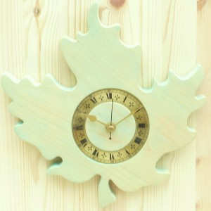 Canadian Style Clock Green