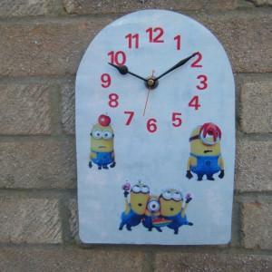 Minions Arch Clock